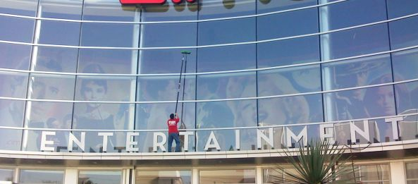 Fish Window Cleaning - That's Show Business